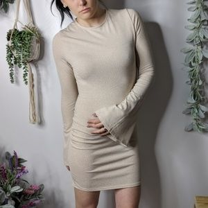 MISSGUIDED gold bodycon bell sleeve mini dress k42